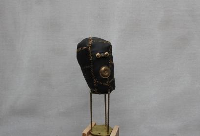 Gold little head, metal, leather, wood, 53cm